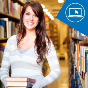 Chica en biblioteca