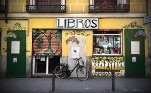 Fachada de una librería
